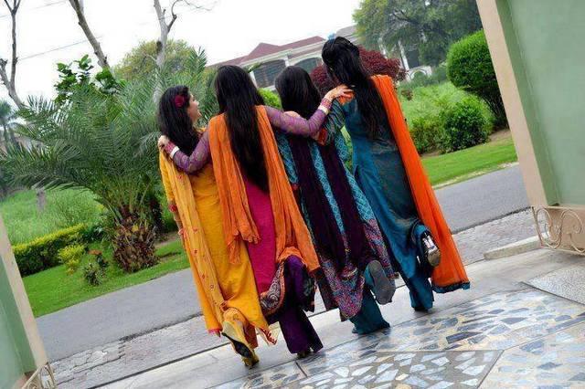 photo of girls for facebook hiding face № 15324